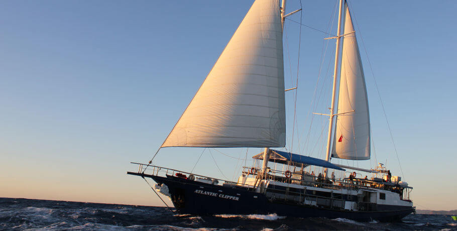 Atlantic Clipper Overnight Tour - Whitsundays - underway