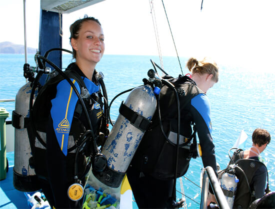 Atlantic Clipper Overnight Tour - Whitsundays - divers