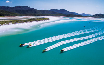 Ocean Rafting-Whitsunday Sailing Day Tour - entourage