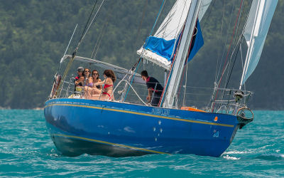 Southern Cross - Whitsunday sail tour- crew