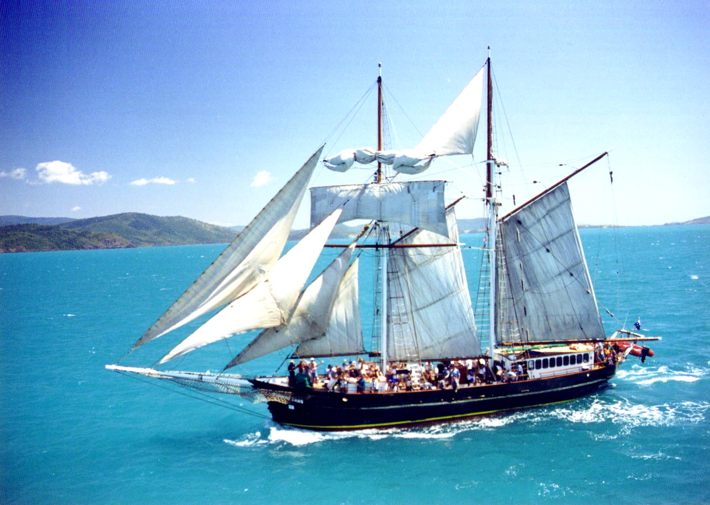 Solway Lass - Whitsunday Islands Overnight tour - cruising