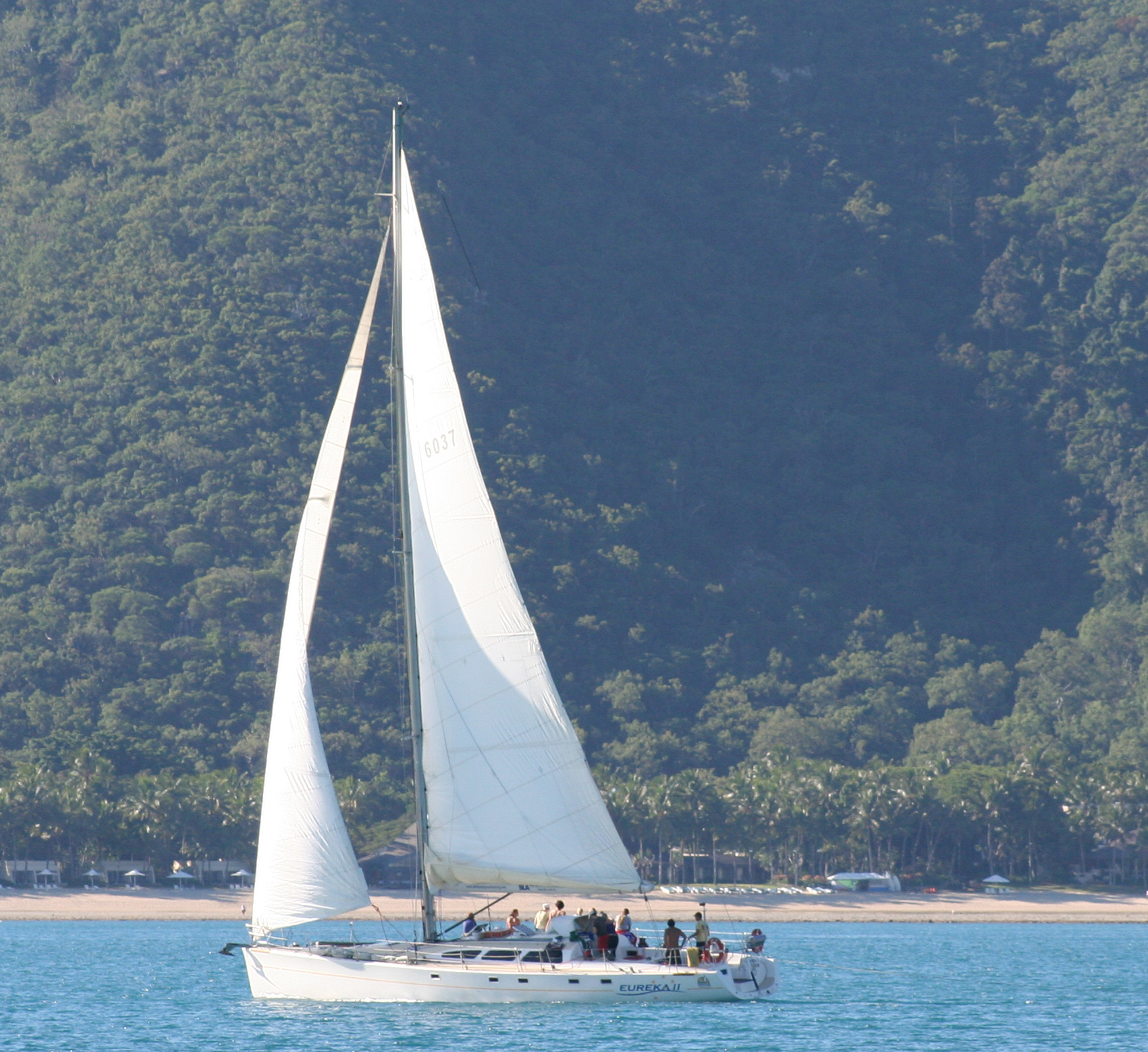 Eureke II 2 days 1 night Overnight Tour - Whitsunday Islands - Sailing