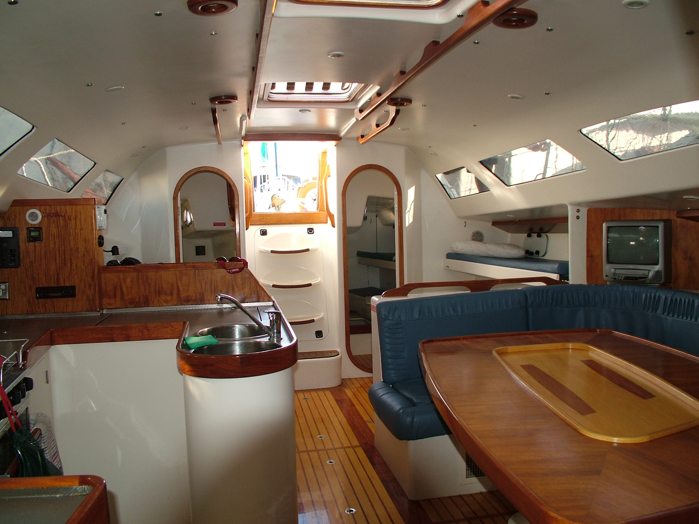 Eureke II 2 days 1 night Overnight Tour - Whitsunday Islands - Interior
